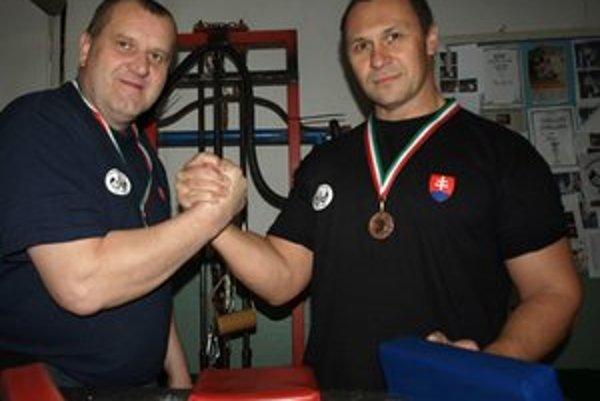 V kategórii master, senior a junior získali celkovo dvadsaťsedem medailí. Traja z nich, Pavol Baka, Ján Labaj (na fotografii) a Igor Kubo boli z Liptova.
