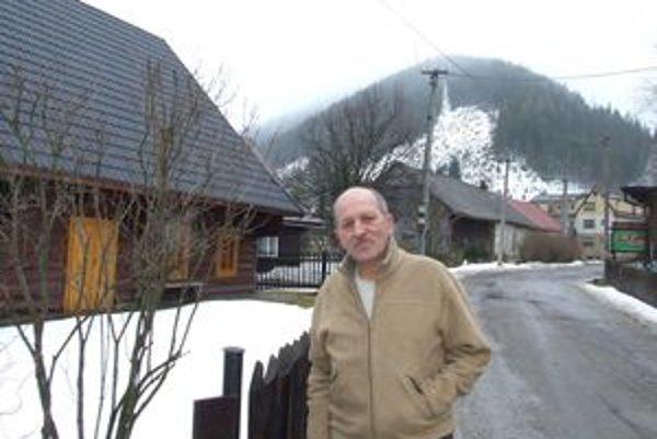 Bývalého starostu Vyšnej Boce Ivana Zajdena nahnevalo, že starostka mu chce vyplatiť odstupné z peňazí, na ktoré sa majú vyzbierať obyvatelia obce.