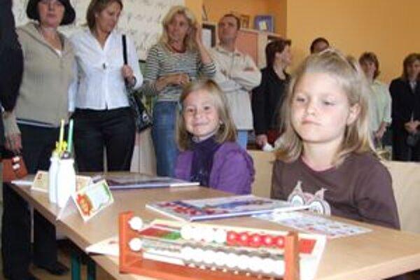 Základnej škole v Bielom Potoku v minulosti niekoľkokrát hrozil zánik. Na zápis do nového školského roku zapísali sedem prvákov, a tak škola splní základnú normu a nezanikne.