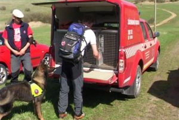Po mužovi pátrali záchranári z troch oblastných stredísk Horskej záchrannej služby.