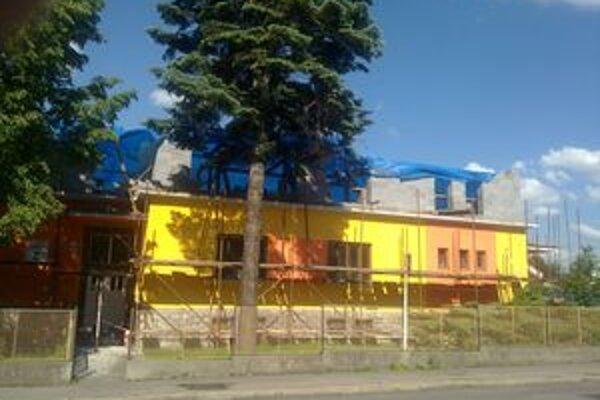 Približne 970-tisíc eur budú stáť stavebné práce a nadstavba Základnej školy na Demänovskej ceste.