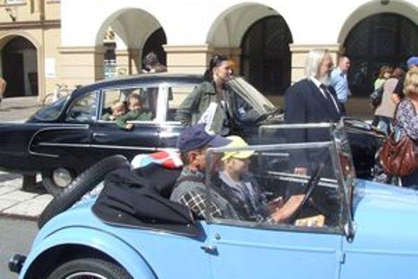 Oldtimer Rallye Tatry 2010 vyvrcholí Concours d Elegance na Námestí osloboditeľov v Liptovskom Mikuláši v nedeľu o 15.30 hodine.