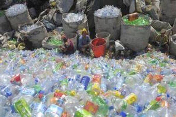 Drvivá časť odpadu ešte stále končí na skládkach, ktoré sa stávajú záťažou životného prostredia.