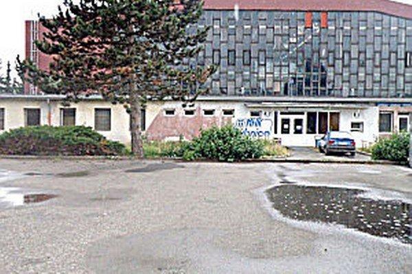 Zimný štadión má naďalej v prenájme firma Saluss