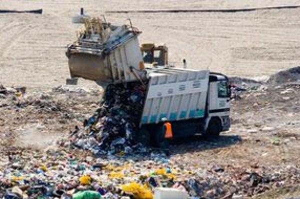 Nový riaditeľ chce znížiť podiel odpadu na skládke.