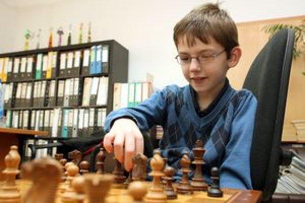 Medzi ocenenými bol aj mladý šachista Viktor Gažík.
