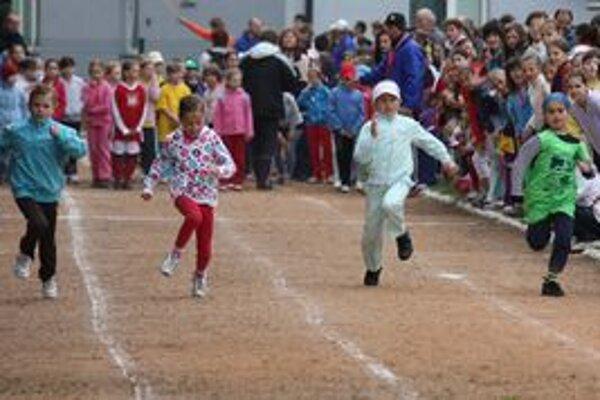 Tento rok sa na olympiáde zišlo rekordný počet, takmer dvestošesťdesiat, chlapcov a dievčat.