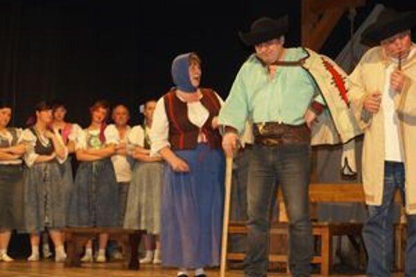 Ochotnícki divadelníci z Hubovej sa na 35. ročníku Belopotockého Mikuláša v Liptovskom Mikuláši predstavia hrou od Ľubomíra Feldeka Z dreva vyrezané alebo Jánošík podľa Vivaldiho.