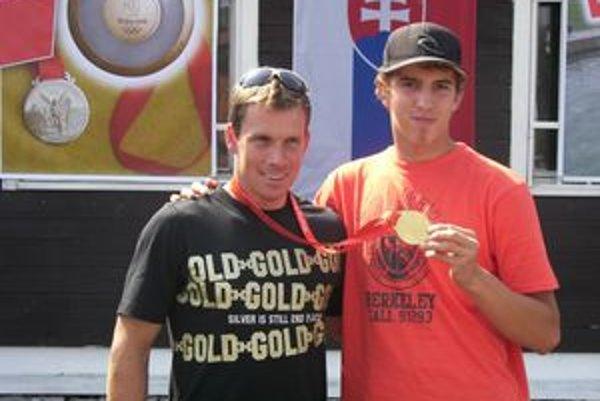 Filipovi Machajovi (na fotografii s Michalom Martikánom) patrila po zlepšenom výkone v druhom kole 11. pozícia.