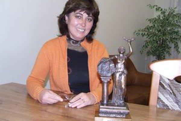 Poslankyňa za mestskú časť Dovalovo Zdenka Jurčová viedla delegáciu z Liptovského Hrádku, ktorá  cestovala po ocenenie  do hlavného mesta Maďarska.