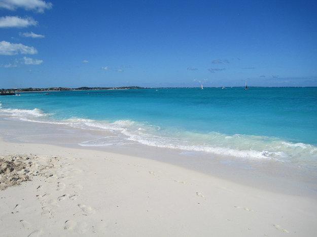 Pláž v Grace Bay, Providenciales, Turks a Caicos, Karibik