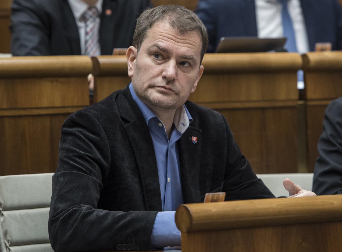 OĽaNO žiada vyšetrovanie politikov pre prepojenia na Vadalu - SME