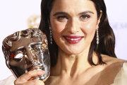 Herečka  Rachel Weisz má cenu BAFTA za film Favoritka.