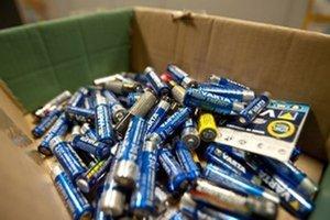 Batérie obsahujú zdraviu škodlivé látky.