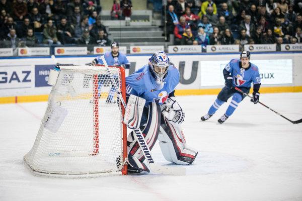 Brankár Jakub Štěpánek z HC Slovan Bratislava.