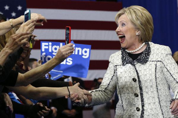 Hillary Clintonová zvíťazila v demokratických primárkach v Južnej Karolíne.