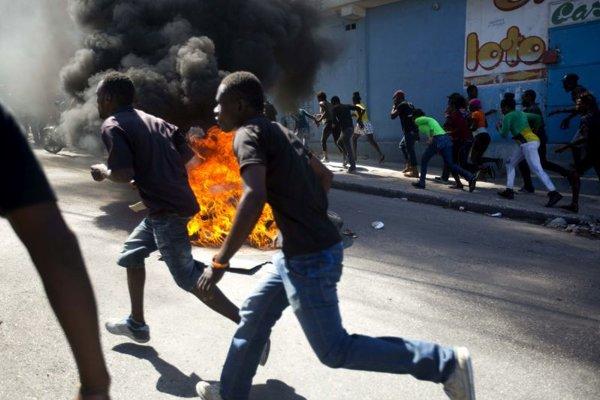 Protesty v Port-au-Prince.