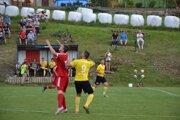 Brvnišťanom (v červenom) budú na jar chýbať Gorelčíkove góly.