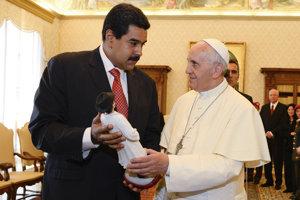 Pápež František údajne napísal venezuelskému prezidentovi Nicolásovi Madurovi list.