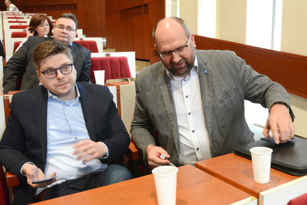 Ján Kováč (vpravo) ako šéf K13 skončil, Michal Hladký (vľavo) ako šéf Creative Industry ostáva.