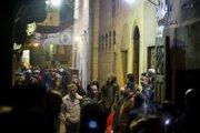 K výbuchu došlo v štvrti Darb al-Ahmar pri mešite al-Azhar v Káhire.