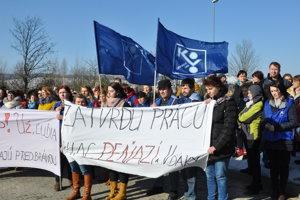 Protestné zhromaždenie spoločností Yanfeng a Visteon v Námestove.