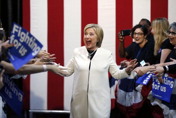 Hillary Clintonová potvrdila úlohu favoritky.