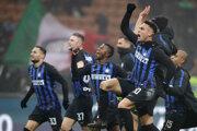 Na snímke druhý zľava slovenský obranca Interu Milan Škriniar - ilustračná fotografia.