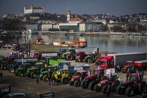 Farmári protestovali od utorka Bratislave.