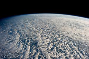 Oblaky Stratokumulus nad Tichým oceánom.