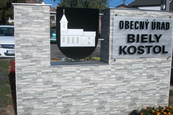 Obec Biely Kostol.