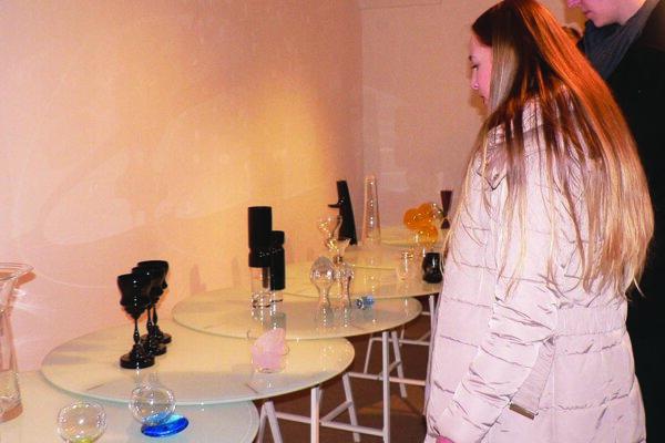 Výstava Za hranou v galérii potrvá do 27. marca.
