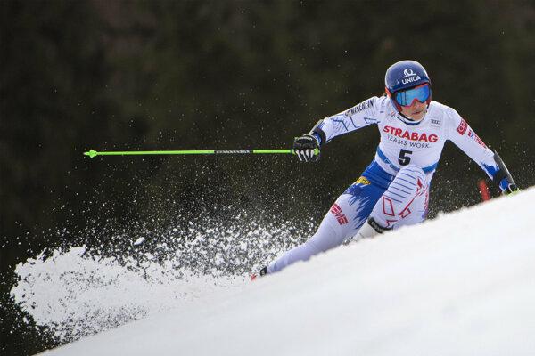 Petra Vlhová počas obrovského slalomu v Špindlerovom Mlyne.