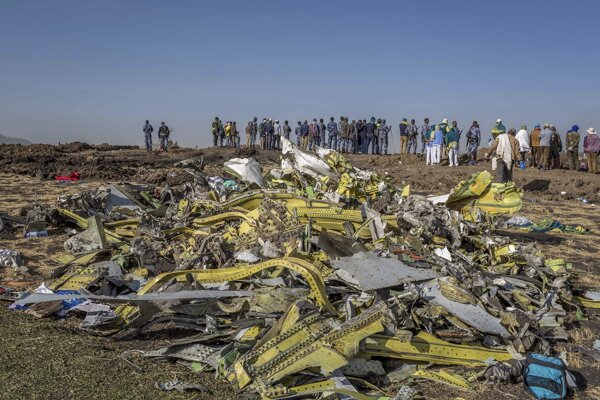 Let ET302 smeroval z Addis Abeby do kenskej metropoly Nairobi, havaroval šesť minút po štarte zhruba 50 kilometrov na juh od Addis Abeby.