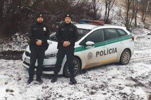 Banskoštiavnickí policajti pomohli.