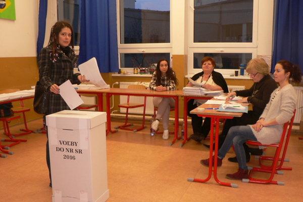 Priebeh volieb bol vo volebnom okrsku č. 13 pokojný.