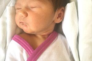 Rite Csorbovej a Branislavovi Hlinkovi z Levíc sa narodila 6. marca dcérka VIKTÓRIA ako prvé dieťa. Dievčatko po narodení vážilo 3 kg a meralo 50 cm.
