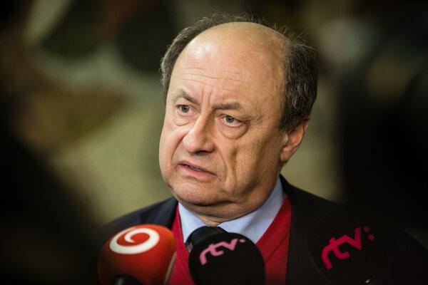 Predseda Štátnej komisie pre voľby a kontrolu financovania politických strán Eduard Bárány.