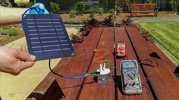 Prototyp zariadenia využil slnečnú energiu na vytvorenie vodíka z morskej vody.