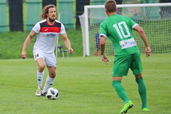 Adam Žilák (vľavo) si v predchádzajúcich klubov vyslúžil prezývky ako Puyol alebo Tarzan.