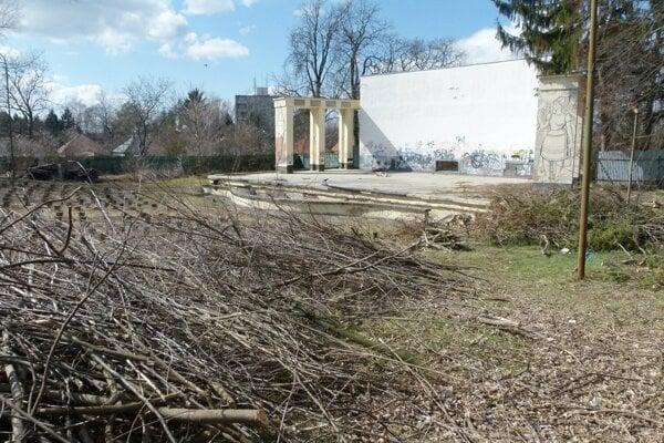 Amfiteáter v Leviciach dali do užívania v roku 1976.