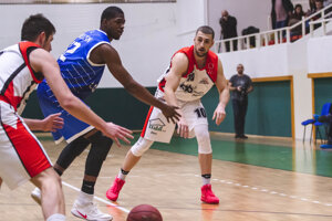 Rajskí basketbalisti v stredu bojovali proti Prievidzi.