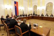 Členovia Ústavnoprávneho výboru NR SR počas hlasovania po vypočutí kandidátov na post ústavného sudcu v Bratislave.