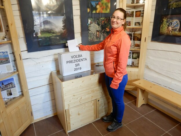 Obyvatelia živej podhorskej osady Vlkolínec volili prezidenta v novovybudovanom Dome UNESCO.