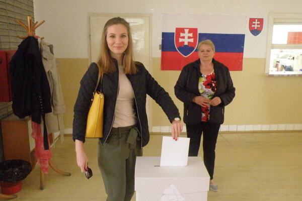 Z druhého kola prezidentských volieb v Nových Zámkoch.