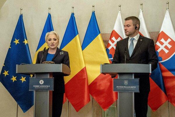 Predsedu vlády Peter Pellegrini s rumunskou premiérkou Vioricou Dancilovou.