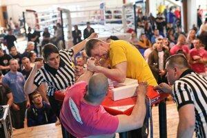 Súčasťou finále KSL boli aj majstrovstvá Slovenska v pretláčaní rukou.