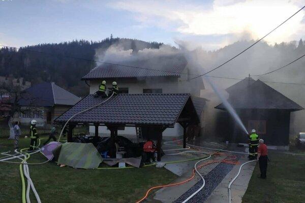 Rodinný dom horel aj v Radôstke.