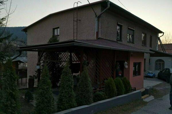 Dom, kde prebiehal policajný zásah.