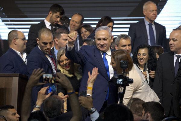 Benjamin Netanjahu by mal pokračovať na poste premiéra Izraela.